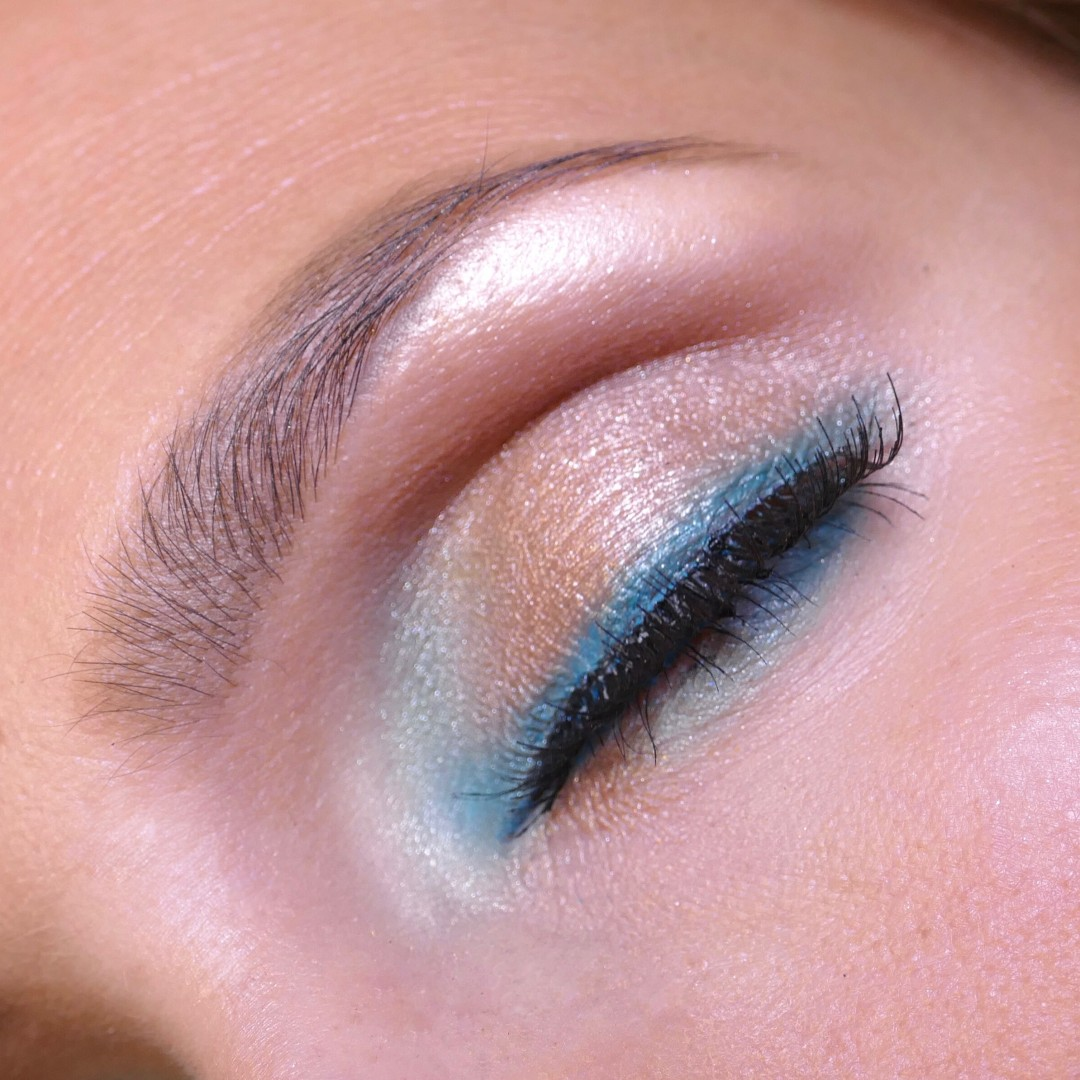 turquoisE details