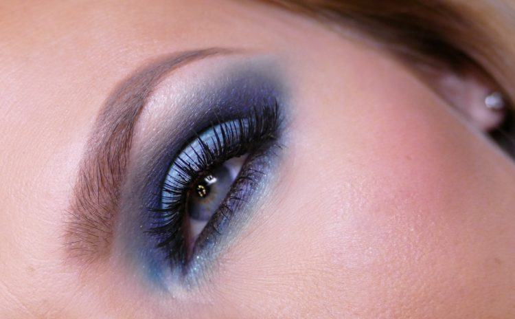 Turquoise Makeup