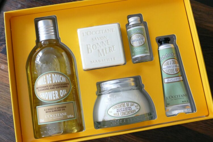 L'OCCITANE ALMOND KIT