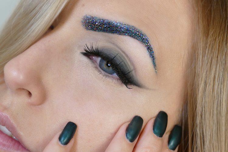 Glitter ögonbryn