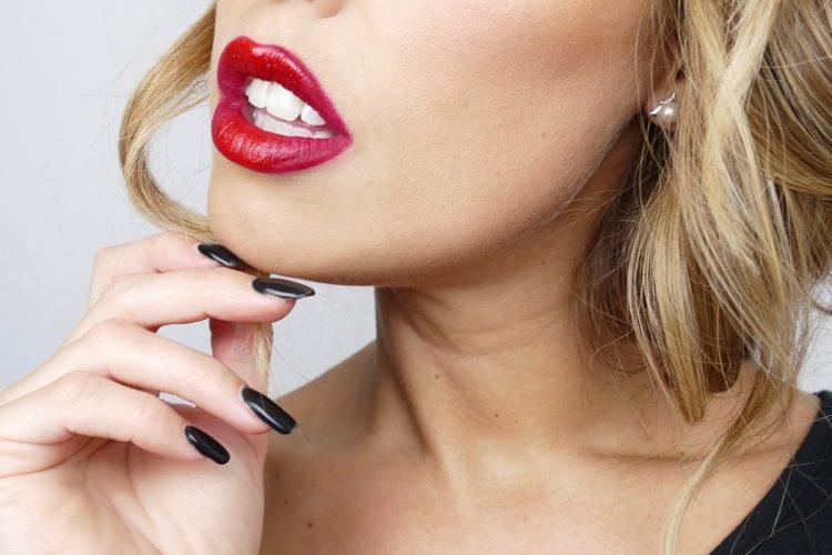 röda läppar makeup