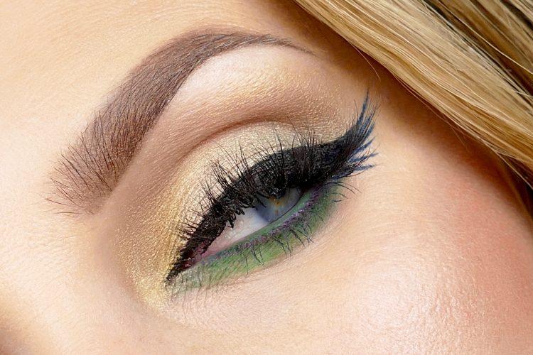 grön ögonskugga