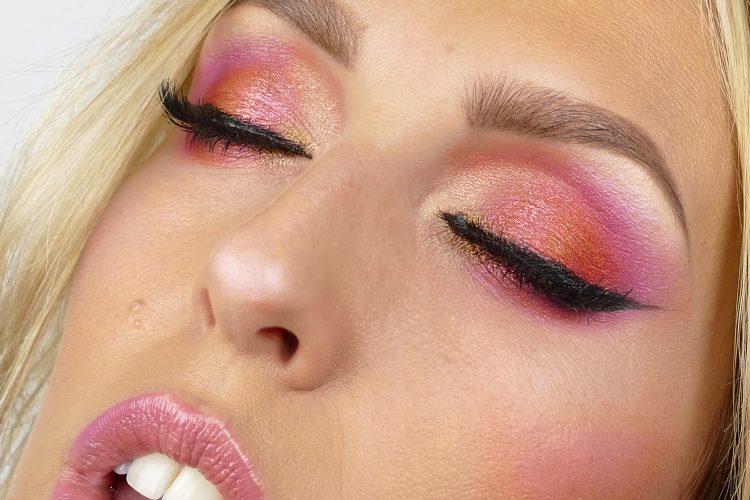 Dahlia makeup i rosa