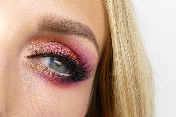 Dahlia inspirerad makeup pink rosa