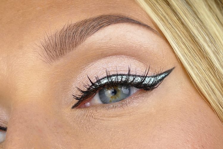 Bom Dia Eyeliner