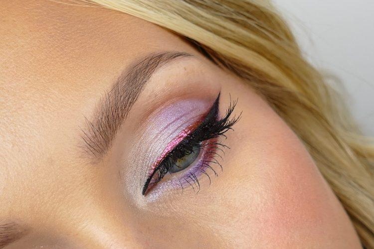 färgglad eyeliner