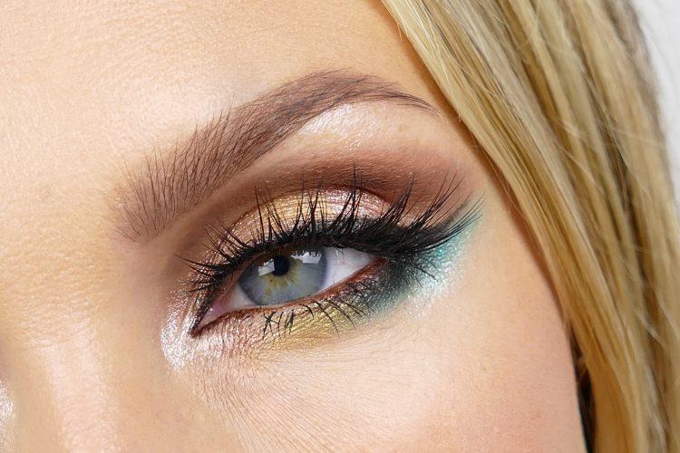 Sasha False lashes huda beauty