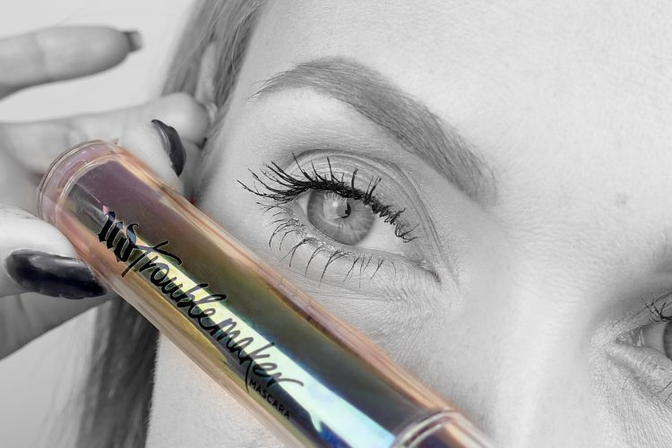 Urban Decay Troublemaker test