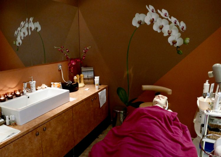 Hera beauty salon Seasonal treatment