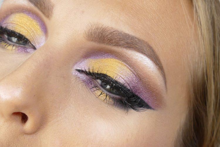 gul ögonskugga