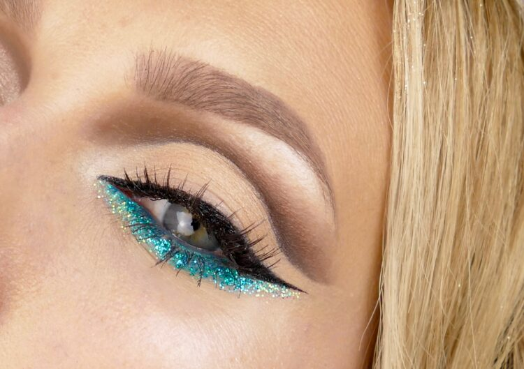 Cut crease makeup glitter