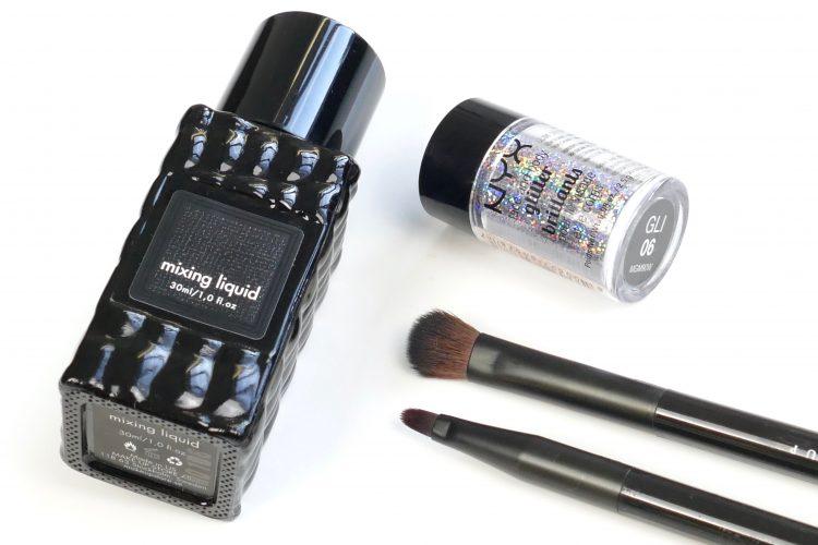 produkter som fäster glitter