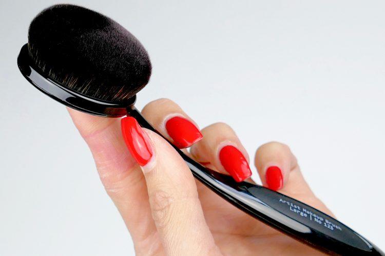 artist makeup brush