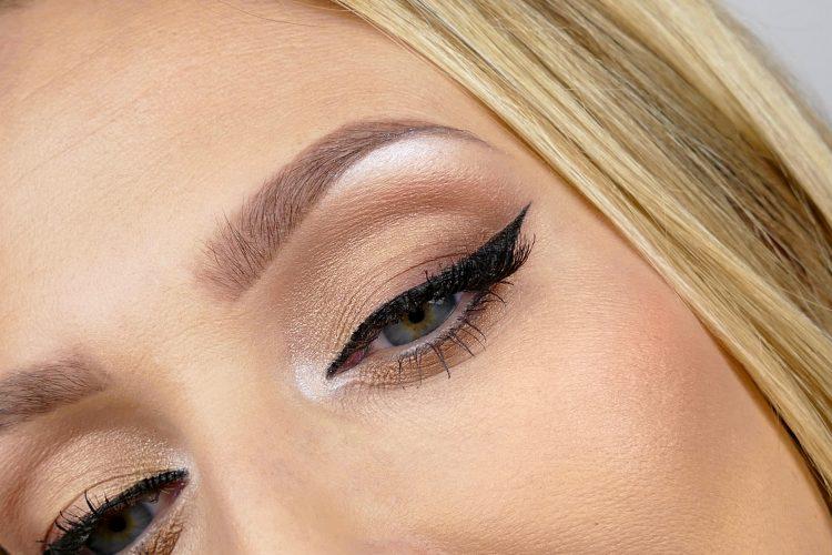 eyeliner sotade ögon