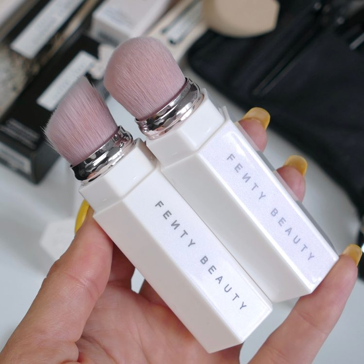 Portable Brush Fenty Beauty