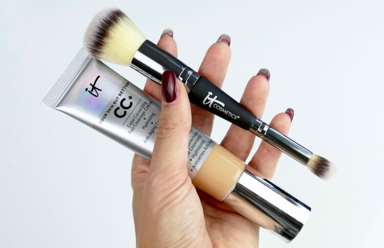 Complexion Perfection Brush it cosmetics