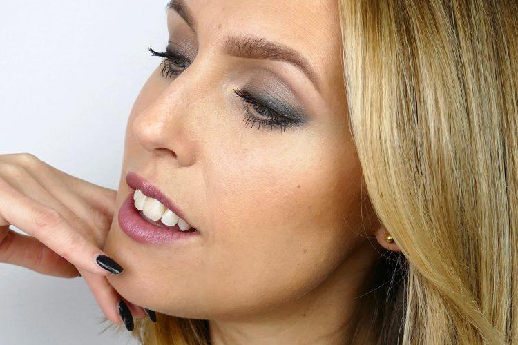 makeup taupe sotat