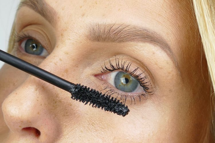 Mascara med Lash Lift effekt