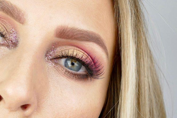 rosa makeup glitter
