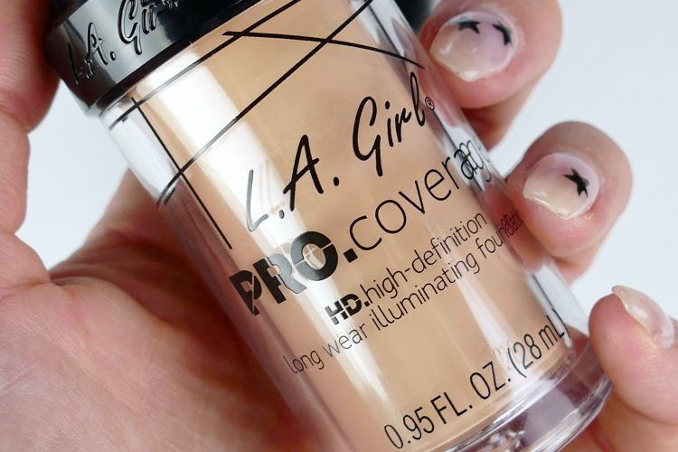 PRO Coverage HD Longwear Illuminating Foundation