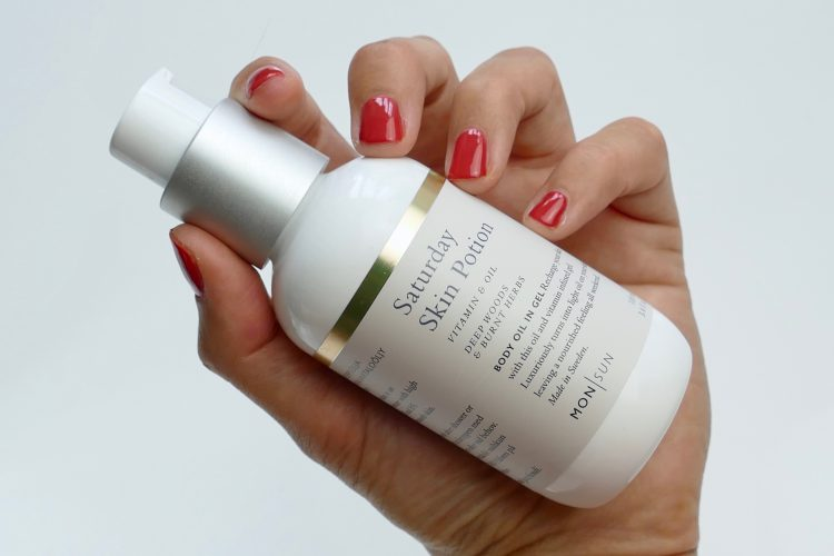 Saturday Skin Potion Vitamin & oil