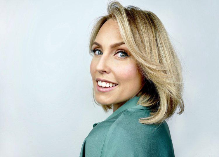 Boka makeupartist stockholm