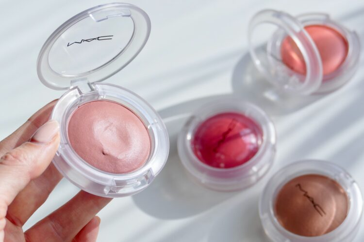 glow play blush mac