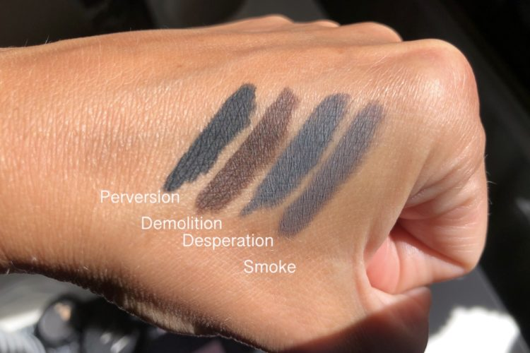 24/7 Glide-On Eye Pencil swatch