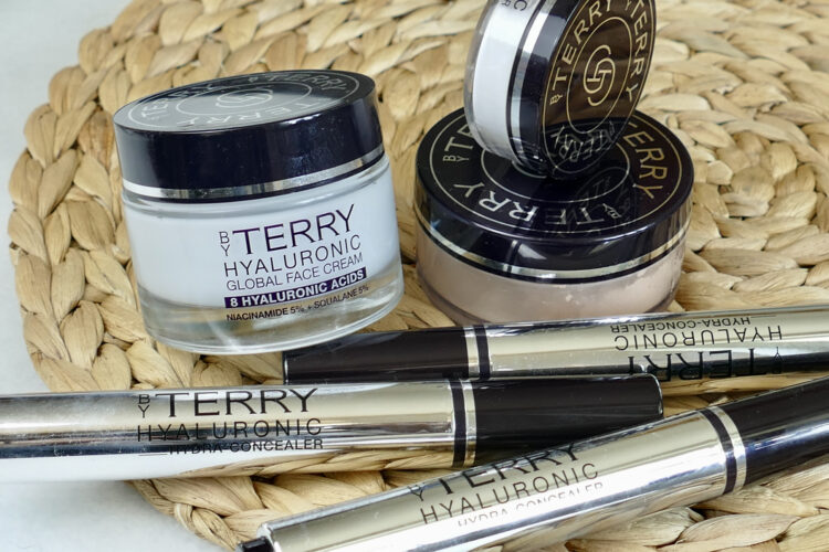 Hyaluronic Hydra by terry