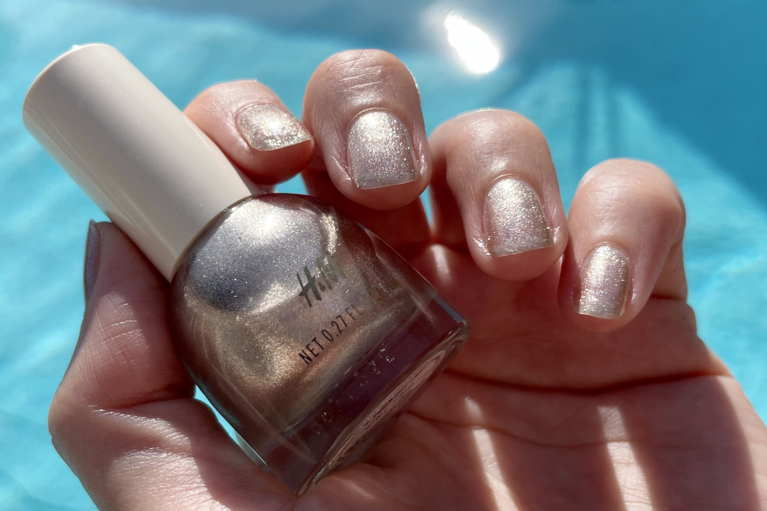 guld glitter nagellack